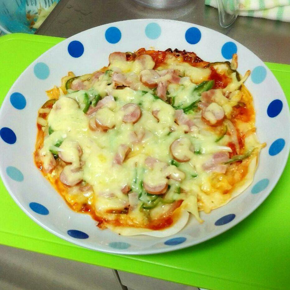 余った餃子の皮をリメイク!餃子の皮で作るピザレシピをご紹介!