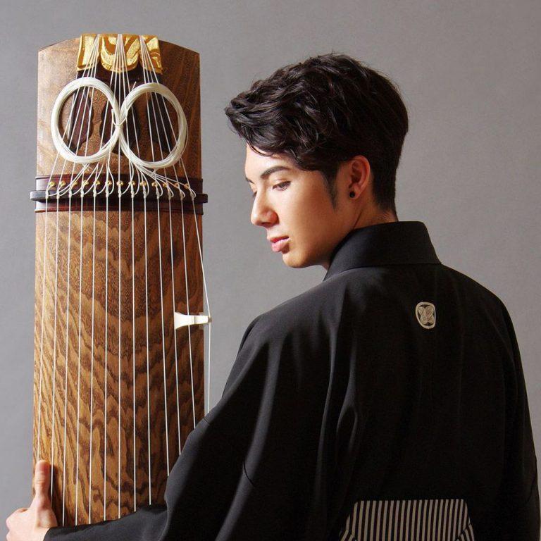 箏曲家:今野玲央(LEO)はハーフイケメン!年収や彼女・琴動画を紹介!【情熱大陸】