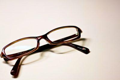 目が悪い人・眼鏡をかけている人の日常での「眼鏡あるある」20個を紹介!