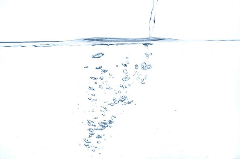 水に濡らす