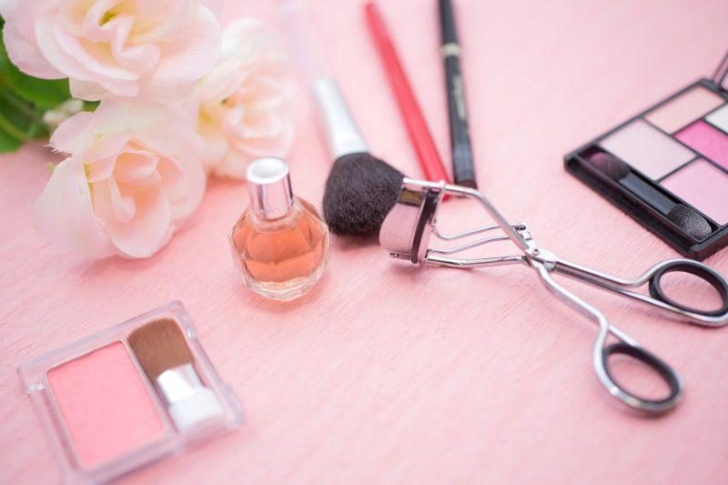 化粧ノリをよくするために!メイク用品(化粧パフ・ブラシ)の洗い方紹介